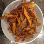Friterade potatis och morotsskal